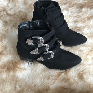 Forever 21 booties size 7